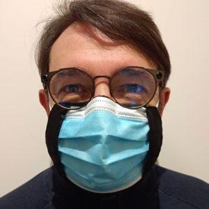 sous masque en soie porté face